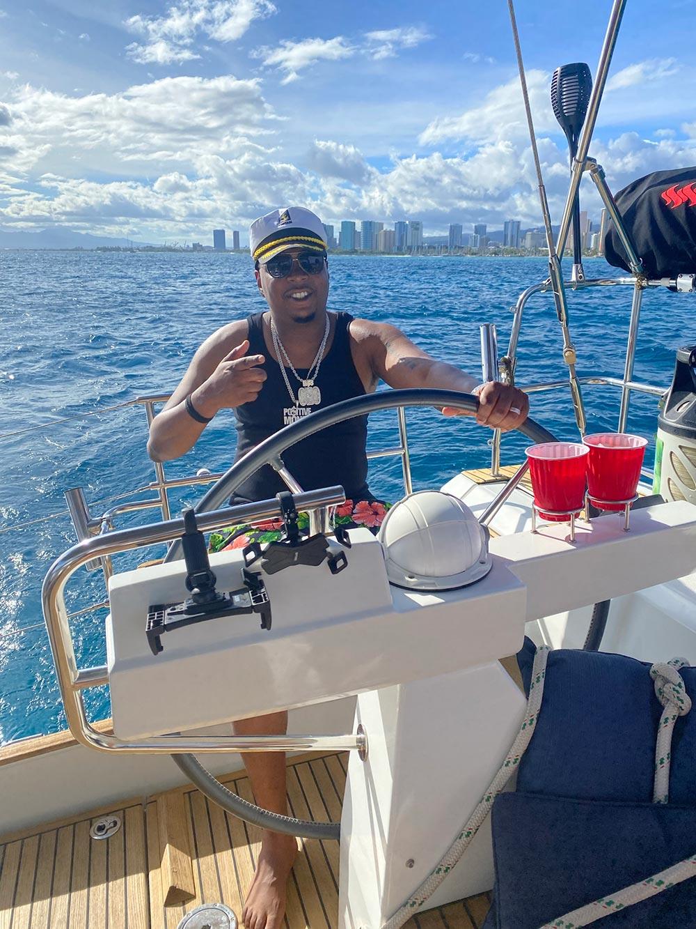 Sailing fun in Honolulu