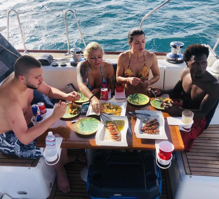 dinner sailing charter trip