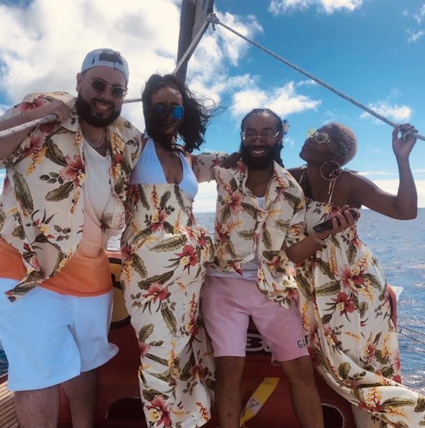 hawaii sailing trip group of people